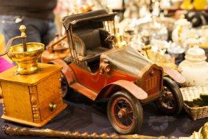 Антикварный маркет и выставка легенд советского автопрома