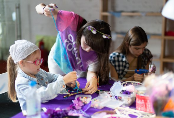 Фейсфитнес, handmade косметика и селфи-макияж: что интересного ждет участников арт-ярмарки Happy Market - Фото №1