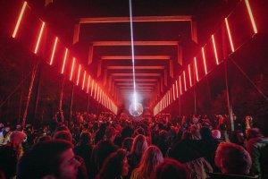 4 сцены, эко-манифест и арт-объекты: Гид по фестивалю Signal