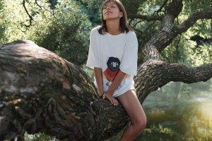 KSENIA KAMS и Лиза Одиноких создали капсульную коллекцию футболок