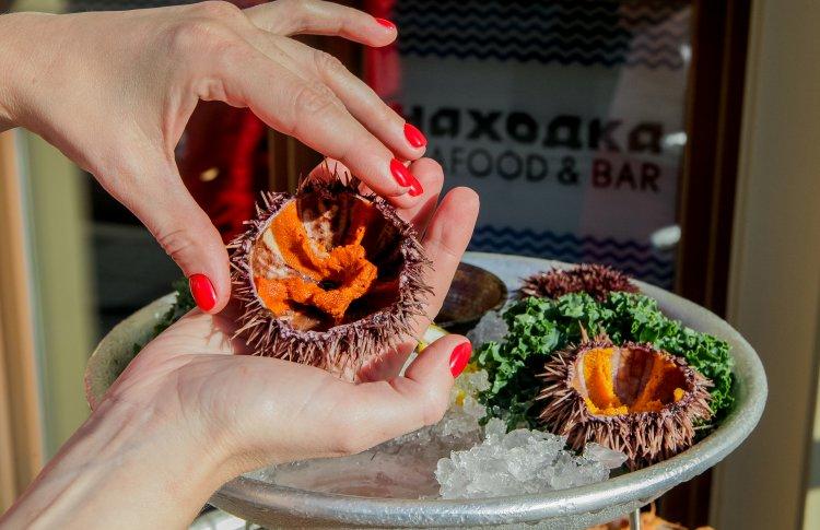 В ресторане «Находка» можно собрать плато из свежих морепродуктов на свой вкус