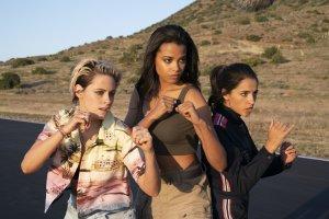 Убийства, мистика и гонки: что смотреть в кино в ноябре