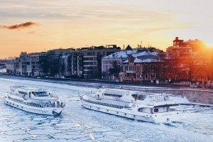 Спектакли на теплоходе: что готовит для москвичей новый сезон зимней навигации