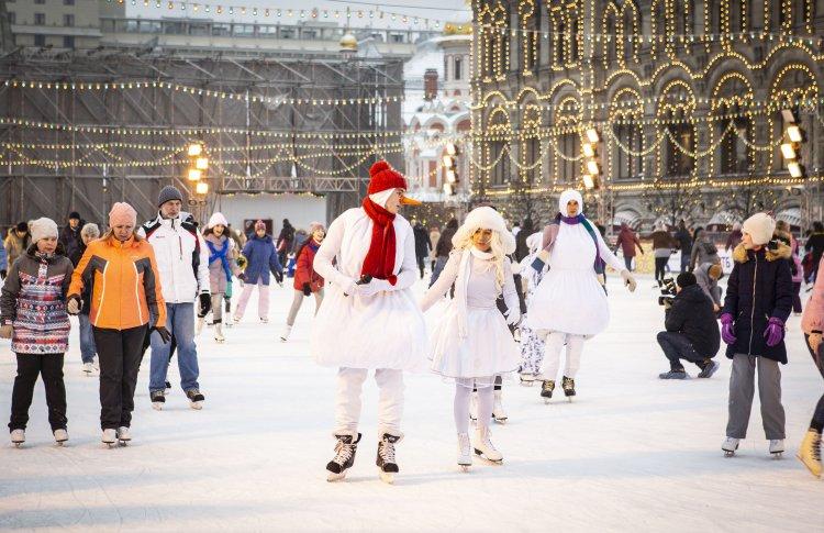 Зимний праздник жизни состоится на самом романтичном катке в Москве