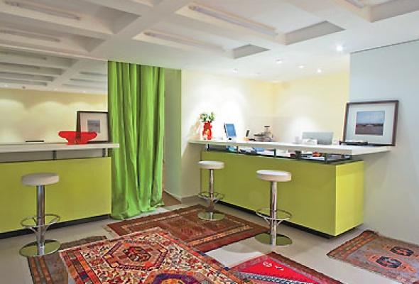 Студия находится в фешенебельном бизнес - центре класса w-plaza
