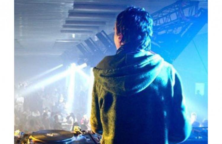 Electro Шик. DJs Denis Grek, Union, Toper, 007, Cence, Watt, Vitalik Funk, Pirate, Nunobug, Horizmatichnaia (electro, house, breaks)