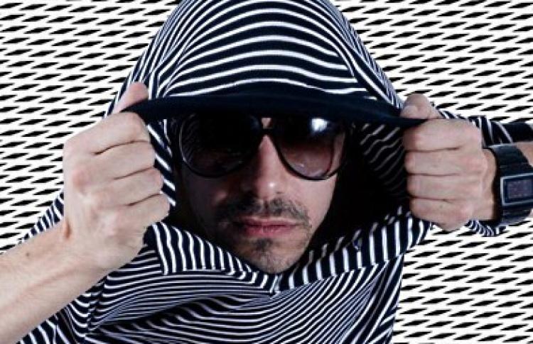 I Love Rien, Im Parisien: DJs Troubles, Das Glow, Orgasmic (все - Франция), Марат Хуссейн