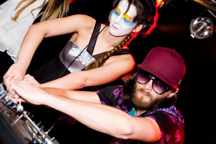 AquaParty. Vol. 5: MC Shayon (live), DJs Arda (Турция), Push'n'Pull, Ширшнев, Nicky Rich, Syntheticsax, Percussion Show, стриптиз, go-go-танцы