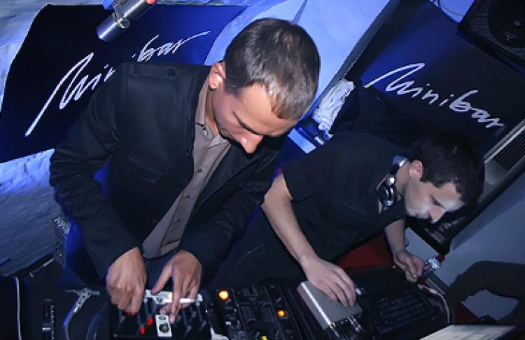 Mostklik (live), DJs Sedative (Италия), Bitlow (Германия), Тарабаров, Партизан, Гримм, Дима Spell, Prana