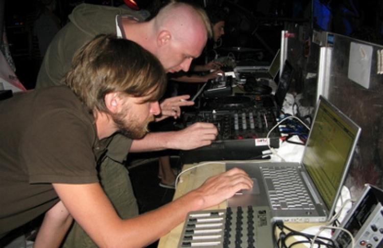 One Night Story: Dubolom (live), DJs Дольщик, Санчес