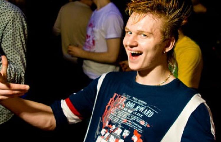 Broken Rhythm Of The Rain: DJs Tonus, 1st Break, Enzy, Nick 19gale, Tom Clyde, Paniker, Kolyochii