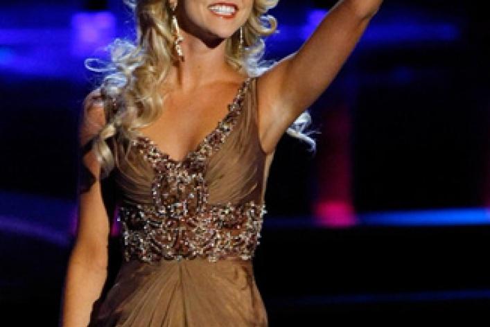 Самая красивая девушка Америки (фото вкупальниках)