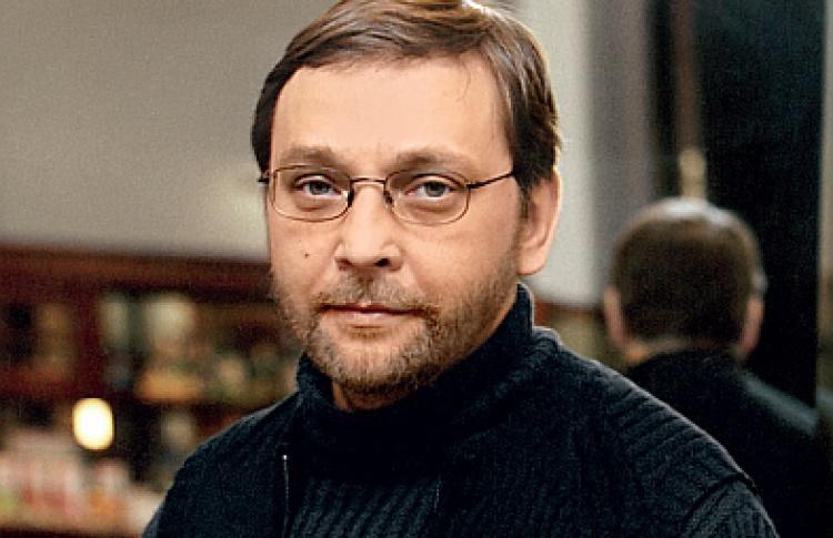 Михаил Угаров:«Фату невесте мыдадим, акостюм нет»