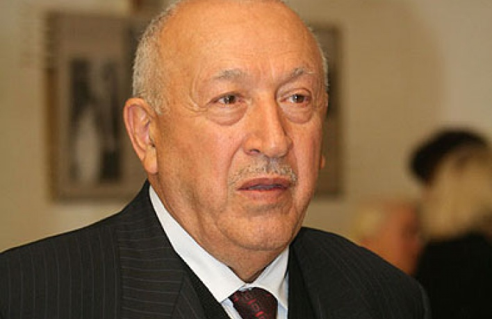 Таир Салахов: «Янесмешивал искусство сполитикой»