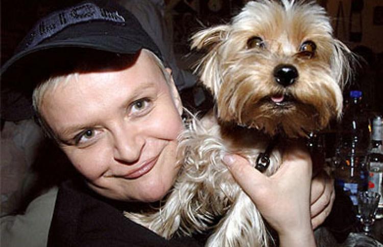 Собака Светланы Конеген написала книгу осветской жизни