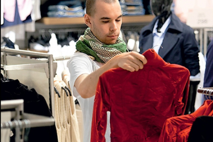H&Mзавлекает москвичек бесплатными платьями