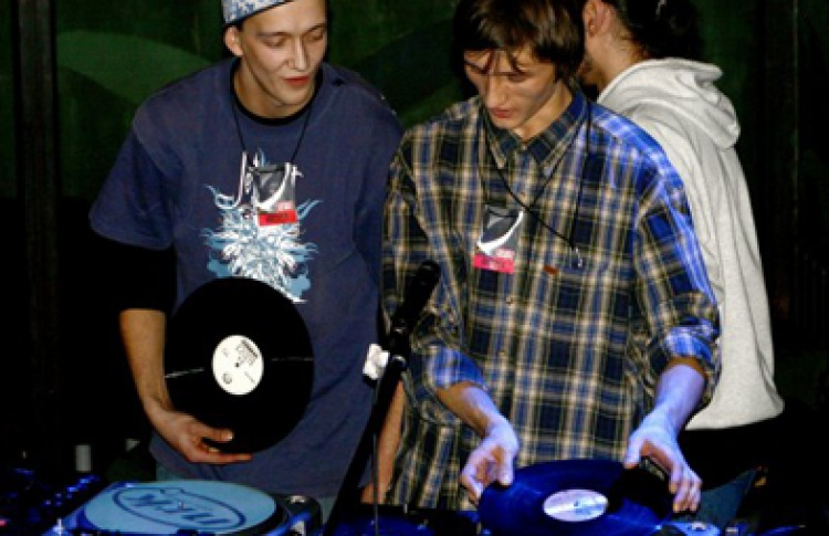 Dirty Mash-Up от компании BPN. DJs Pontell, Fearsence, Paul Wallnamer (nu-school)