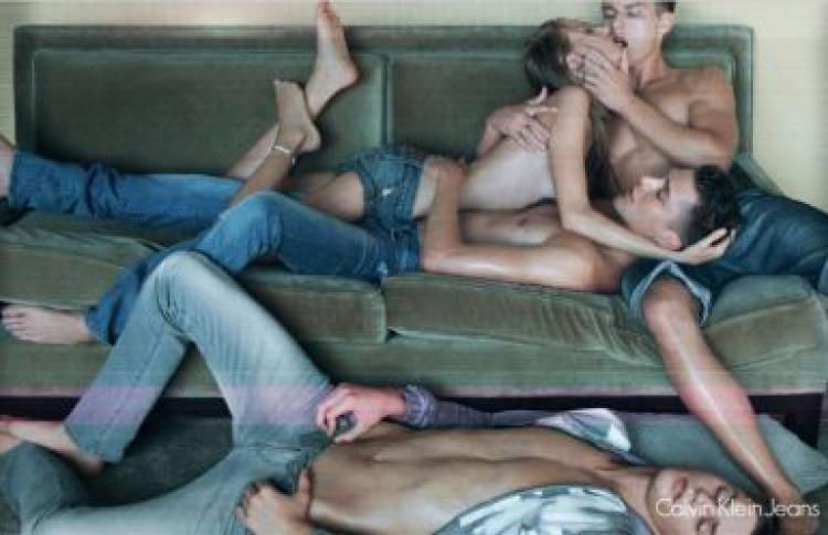 Ролики онлайн секс групповуха