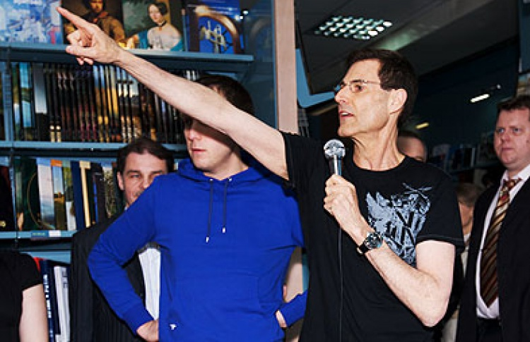 Человек-феномен Ури Геллер вМоскве (фото)