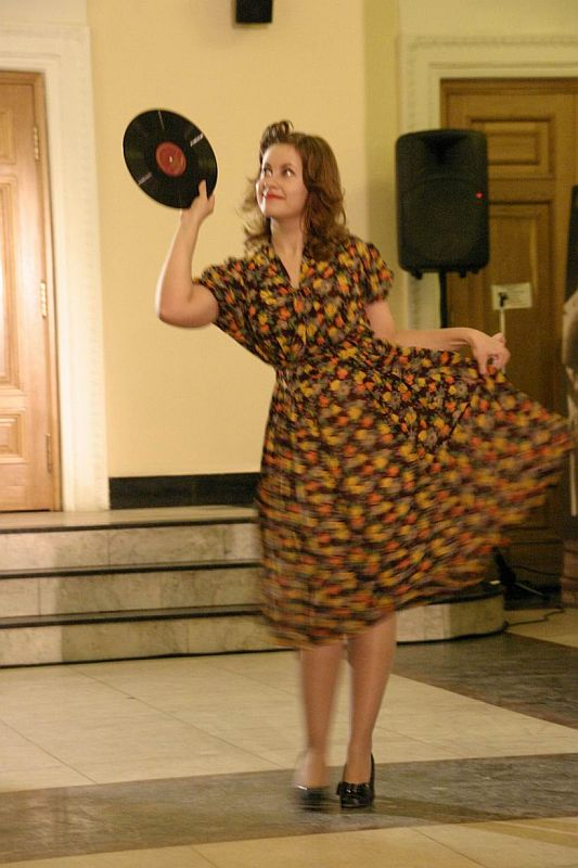 Индивидуальный пошив. платья в стиле 50-х годов.