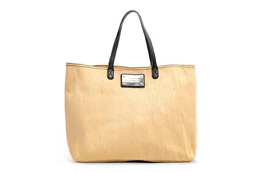 Самые модные вещи этой недели: сумка-шоппер Mango, цветочные аксессуары.