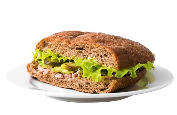 Сэндвич с тунцом, авокадо и салатным листом из SmallDouble, 170 руб.