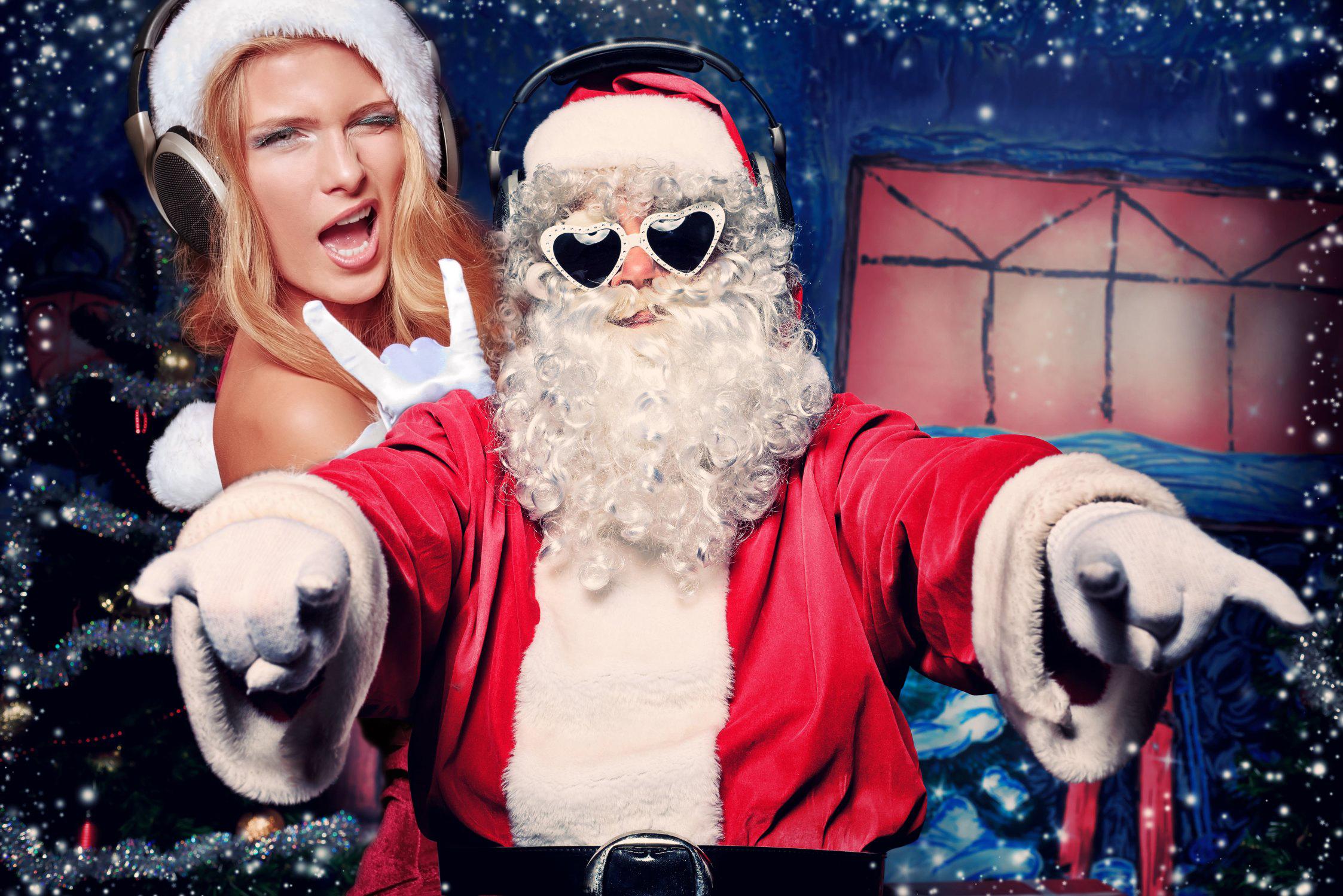 многомиллионный картинки новогодние с приколами постится-открытку