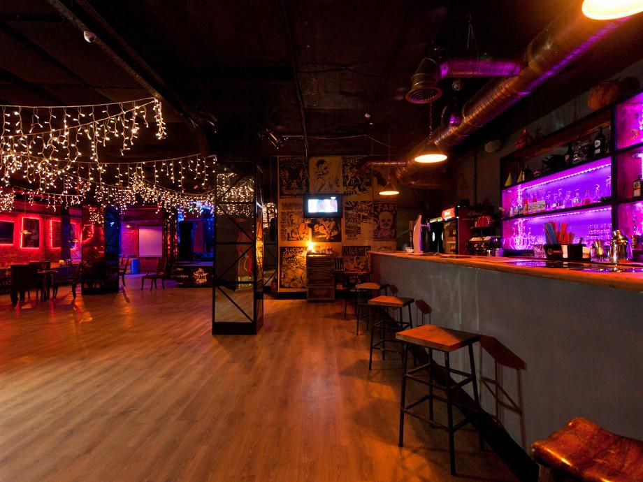 Клуб лайф старс москва адрес свинг клубы для мужчин