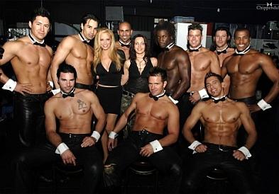 В клубе всегда найдется место для случайного секса
