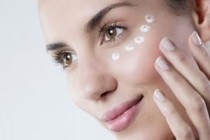 5эффективных кремов для кожи вокруг глаз