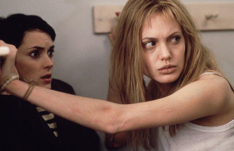 «Прерванная жизнь» (Girl, Interrupted, 1999)