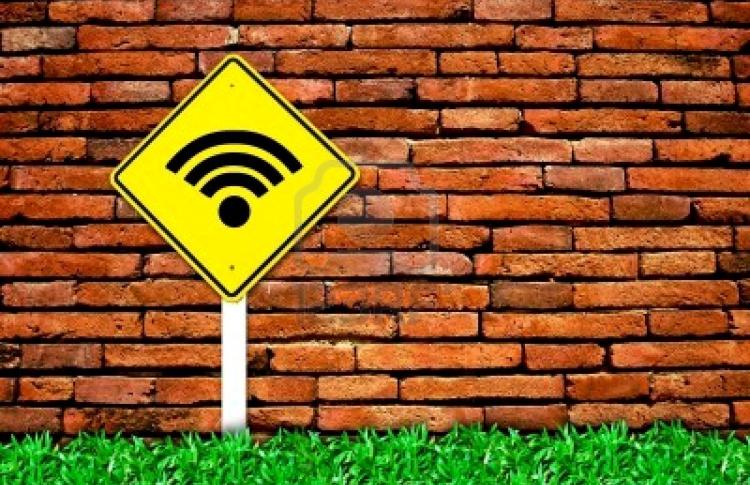 С 13 августа к открытому WiFi, возможно, придется подключаться по паспорту