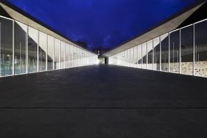 Искусство архитектуры в Испании. Фотографии Рикардо Сантонхи