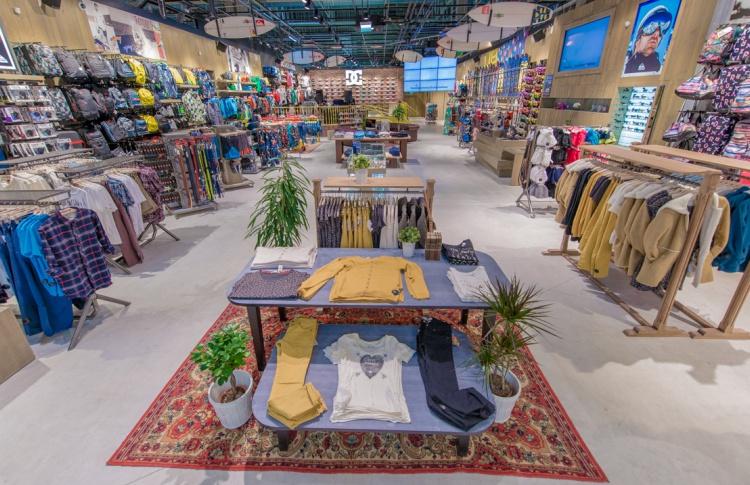 В Петербурге открылся экстрим-магазин Boardriders Фото №446830