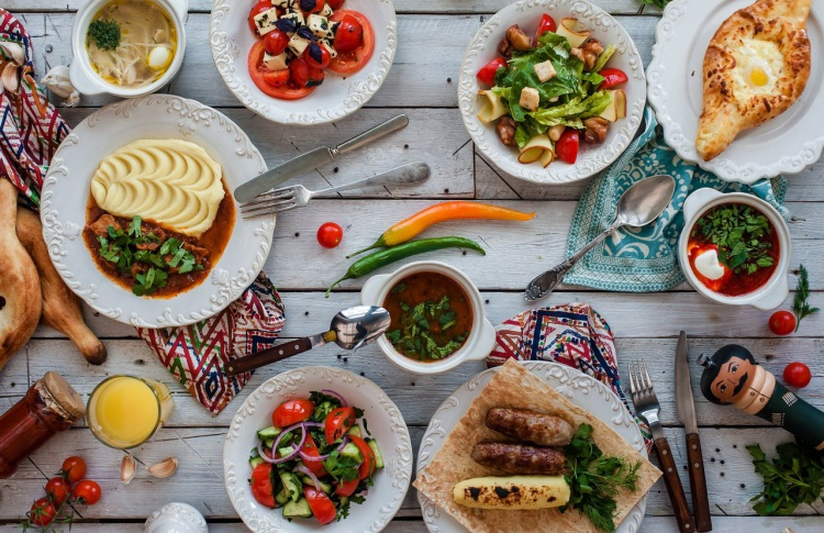 Национальные обеды в ресторане «Мамаlыgа»