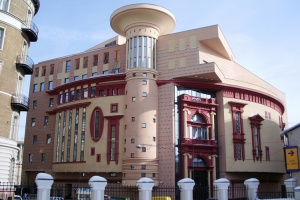 15 самых уродливых зданий Москвы