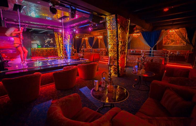 В ночной клуб тихое место клуб москва не пафосный