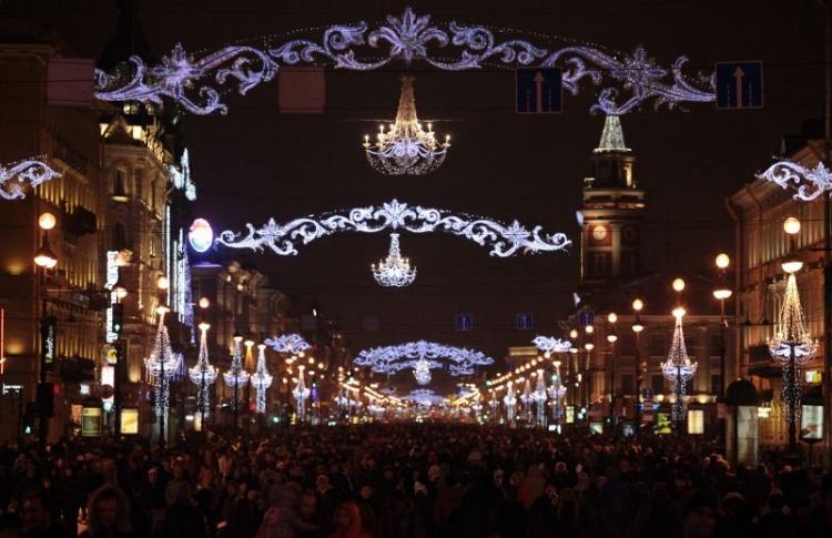 Новогоднее украшение Невского проспекта