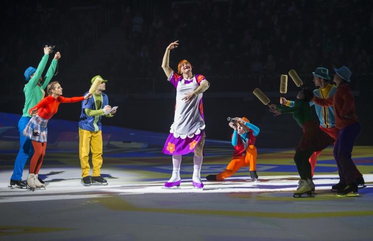 Новогодний конкурс от «Time Out Петербург»: выиграй и познакомишься с Карлсоном, который умеет кататься на коньках