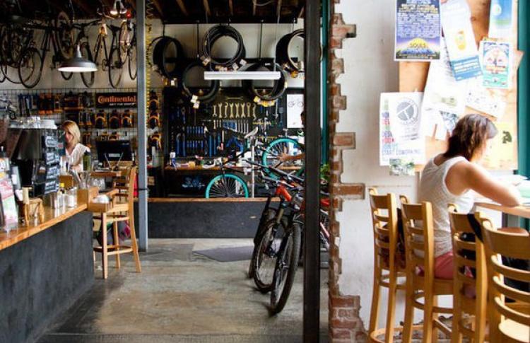 Открытие сезона: тематическое кафе для велосипедистов