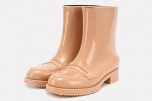 Резиновые сапоги и другая непромокаемая обувь