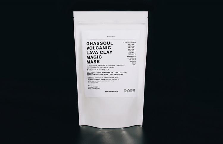Универсальная маска для лица и тела на основе вулканической глины