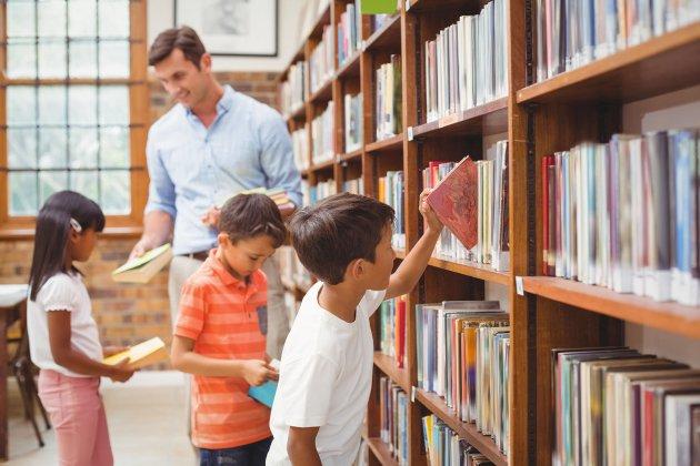 «Взрослых не существует»: два мужчины-воспитателя детских садов о своей профессии