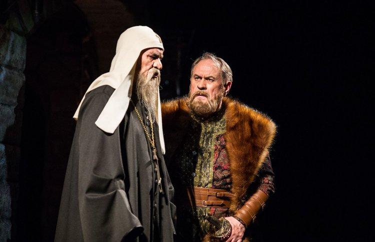 В Малом театре устроят дефиле в исторических костюмах