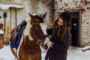 Где можно покататься на лошадях