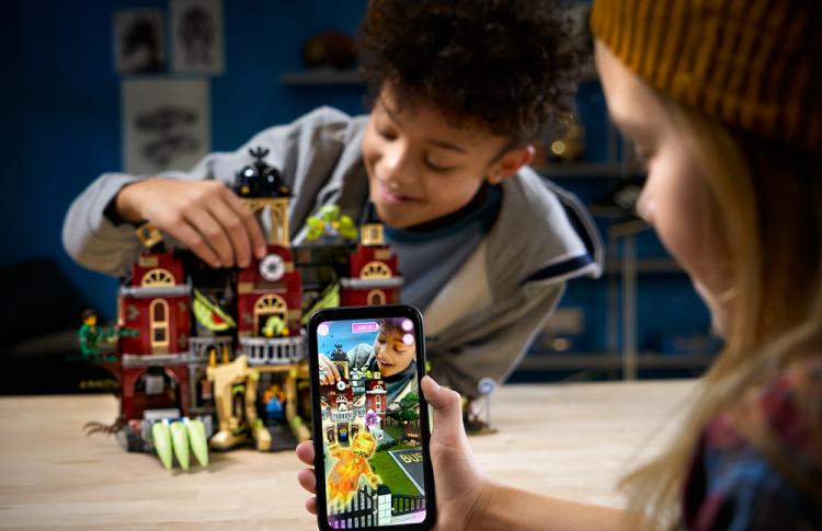 В LEGO разработали конструктор с дополненной реальностью