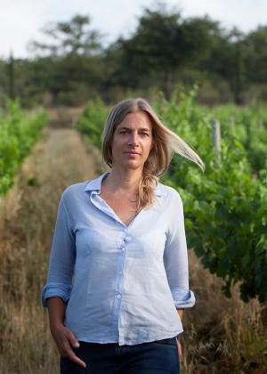 Вино, которое делают женщины: где и зачем пить его прямо сейчас