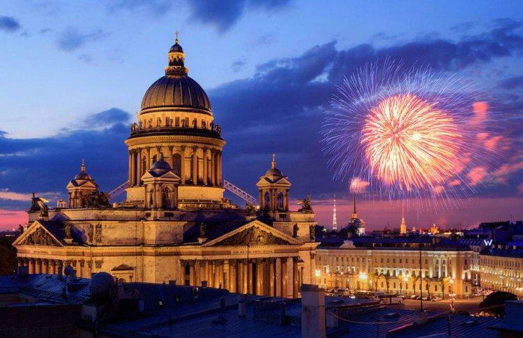 Куда пойти в Петербурге в День города