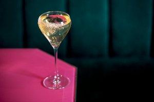 11 лучших коктейлей с игристым вином