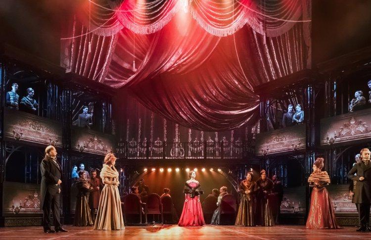 Последние показы  мюзикла «Анна Каренина» в этом театральном сезоне